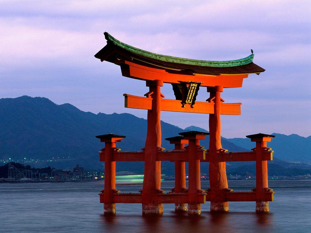 Itsukushima_Shrine_Japan_Tourism