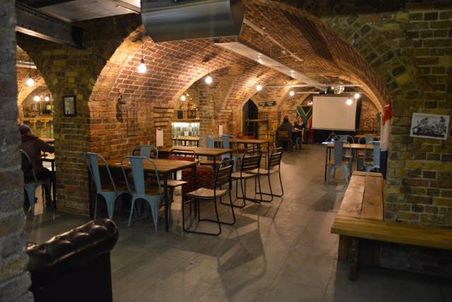 downstairs-wombar-and-lounge-area-Wombats-City-Hostel-London-Review-Video